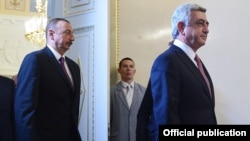 Russia - President Serzh Sarkisian and his Azerbaijani counterpart Ilham Aliyev start Russian-mediated talks in St. Petersburg, 20Jun2016.