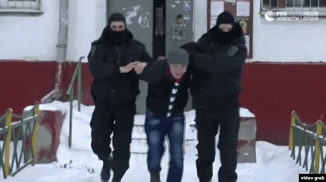 Задержание российскими полицейскими иностранца, подозреваемого в экстремистской деятельности. Декабрь 2016 года