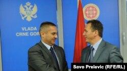 Direktori policija Crne Gore i Kosova Veselin Veljović i Špend Madžuni u Podgorici, 30. septembra 2011.