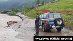 На західній Україні через негоду почалися паводки