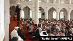 В мечети в Душанбе. Иллюстративное фото.