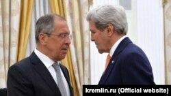 Sergej Lavrov i Džon Keri