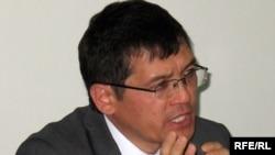 Адвокат Салимжан Мусин на пресс-конференции. Алматы, 24 августа 2009 года.