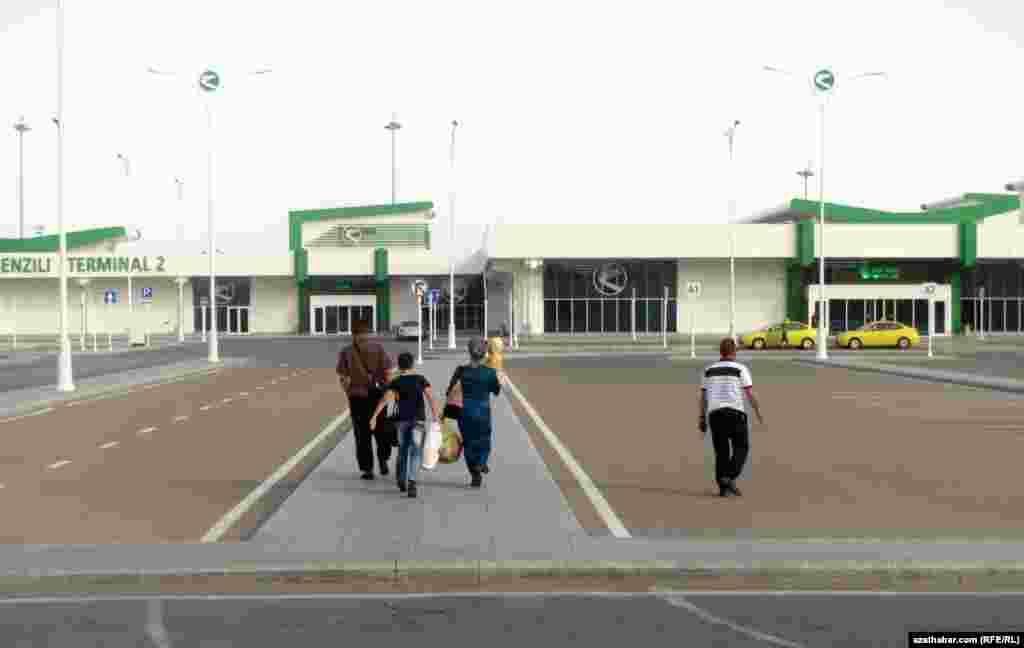 Терминал для внутренних рейсов международного аэропорта Ашхабада