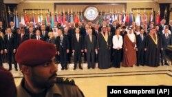 کشورهای عضو ائتلاف مبارزه با گروه حکومت اسلامی در کنفرانس بازسازی عراق در کویت