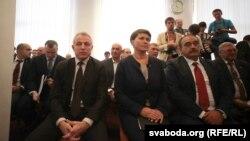(Зьлева направа) Міхаіл Орда, Тацяна Караткевіч і Сяргей Гайдукевіч падчас рэгістрацыі кандыдатаў на прэзыдэнты ў Цэнтравыбаркаме