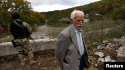 Появление российских военных и представителя югоосетинской стороны на территории, которую еще до выходных контролировали грузинские власти, вызвало новую волну недовольства в Тбилиси