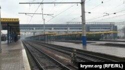 «Укрзалізниця» прекратила железнодорожное сообщение с Крымом