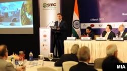 Премиерот Никола Груевски при презентацијата во Њу Делхи