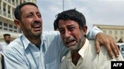به گفته اين شهروند عراقی، دو زن، سه دانش آموز و شش تن از نگهبانان محلی در ميان کشته شدگان وجود دارند.