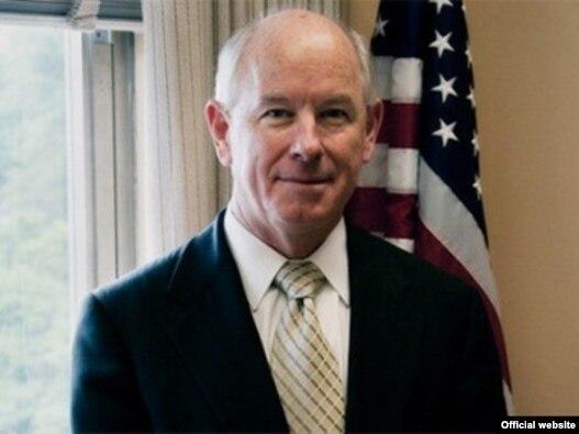 فیلیپ کراولی، سخنگوی وزارت خارجه آمریکا
