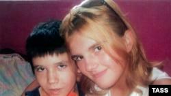 Закари Декерт (Алексей Климов) - на фото слева