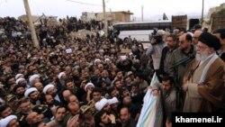 Алі Хаменеї виступає у потерпілій від землетрусу іранській провінції Керманшах, 20 листопада 2017 року