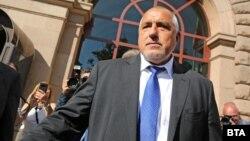 Премиерът е разпоредил на Кирил Ананиев да отстрани директорите на трите болници, свързани със случая