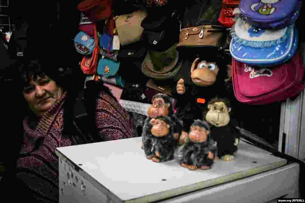 2016-й за китайським календарем – рік мавпи. Мавп можна зустріти не тільки в сувенірних крамницях.