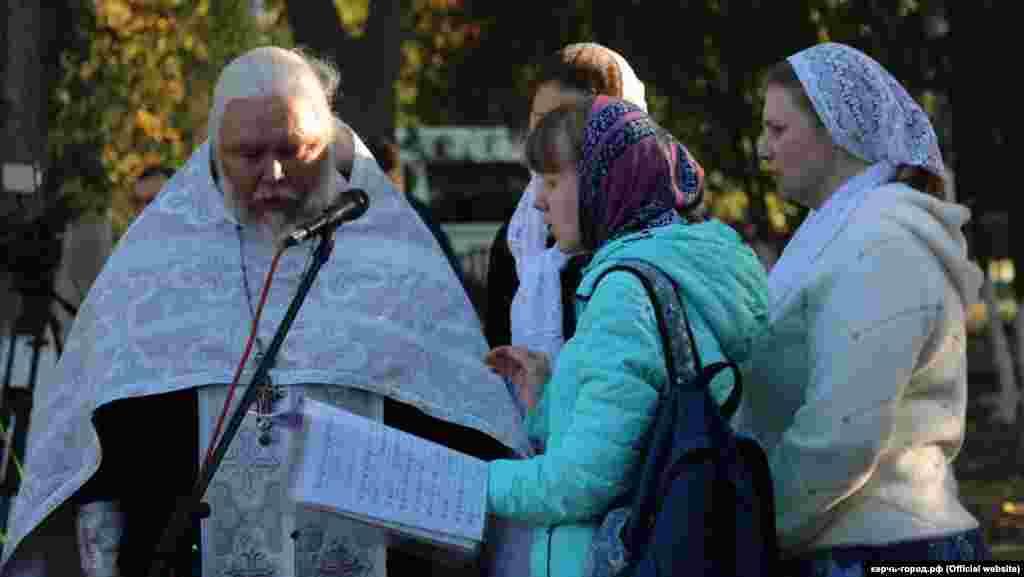 Священнослужители отслужили панихиду по жертвам трагедии