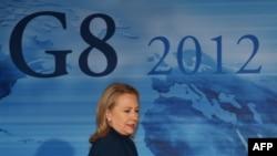 Secretarul de stat american Hillary Clinton după reuniunea miniştrilor de externe din ţările G8.