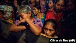 Поминальная служба в Гватемале по умершей девочке.