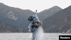Запуск северокорейской баллистической ракеты. Иллюстративное фото.