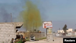 Облако отравляющего вещества в районе боевых действий в Ираке. Иллюстративное фото.