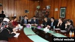 أعضاء لجنة حقوق الإنسان في برلمان كردستان يستقبلون ممثلون عن دائرة الهجرة السويدية.