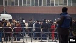 Фотографија од протестот на пазарџиите пред Собранието