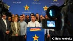 Zoran Zaev gjatë një konference për shtyp