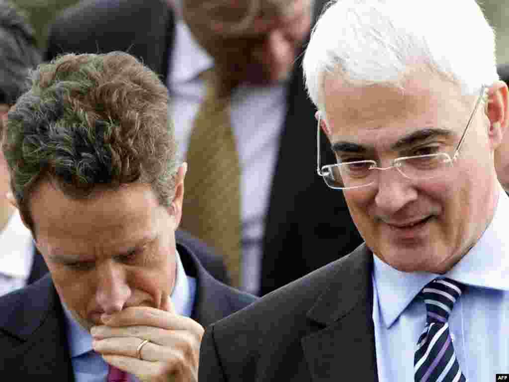 7 nëntor '09 - Ministrat e financave dhe krerët e bankave qendrore të G20-ës u takuan në Britani, për t'i diskutuar mënyrat që të ruhet rimëkëmbja ekonomike globale dhe të ndahen kostot e luftimit të ndryshimeve klimatike.