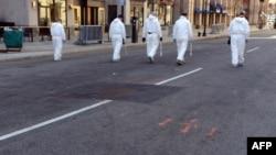 ՀԴԲ-ի աշխատակիցները Բոստոնի փողոցներն են զննում, 17-ը ապրիլ, 2013