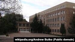 Будівля Донецького обласного краєзнавчого музею в Донецьку, січень 2007 року