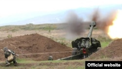 Armenia -- Troops hold military exercises.
