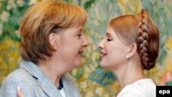 Юлия Тимошенко и Ангела Меркель на встрече в Киеве в 2008 году