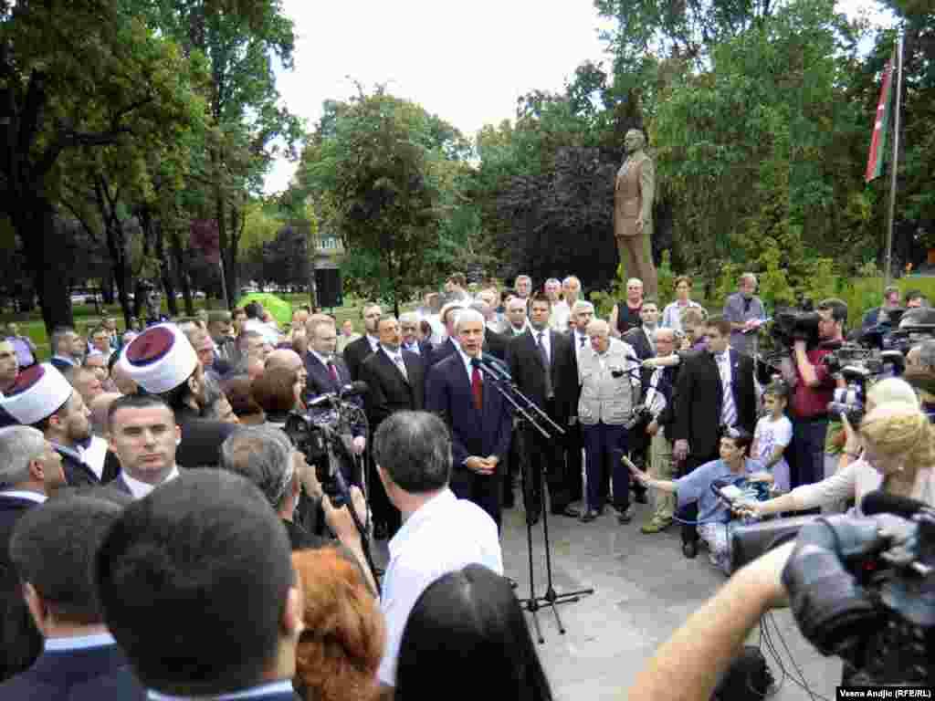 Predsednici Azerbejdžana Ilham Aliev i Srbije Boris Tadić na otvaranju parka i otkrivanju spomenika