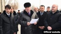Глава Таджикистана Эмомали Рахмон ознакомился с ходом строительных работ в Центральной соборной мечети Душанбе, 30 ноября 2018 года