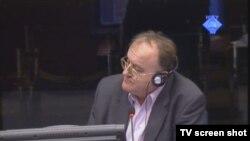 Veljko Džakula u sudnici tokom svjedočenja, 18. listopada 2012..