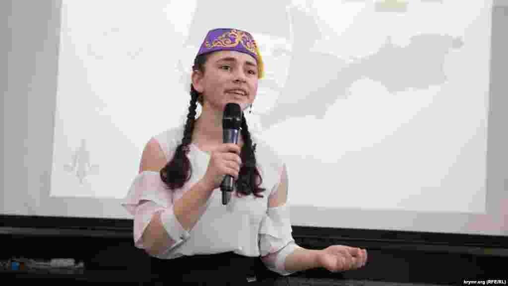 Айше Мустафаєва із Сімферопольського району посіла 1-е місце в категорії «Декламація віршів» серед 9-11 класів
