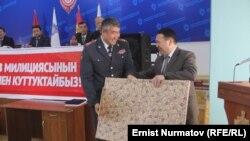 Кылычбек Жолдошев жана Атай Шакир уулу.