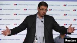 Лидер Сербской прогрессивной партии Александр Вучич, Белград, 24 апреля 2016 года.