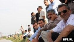 Население начало покидать Сабирабадский район. Остаются только мужчины в прибрежных селах