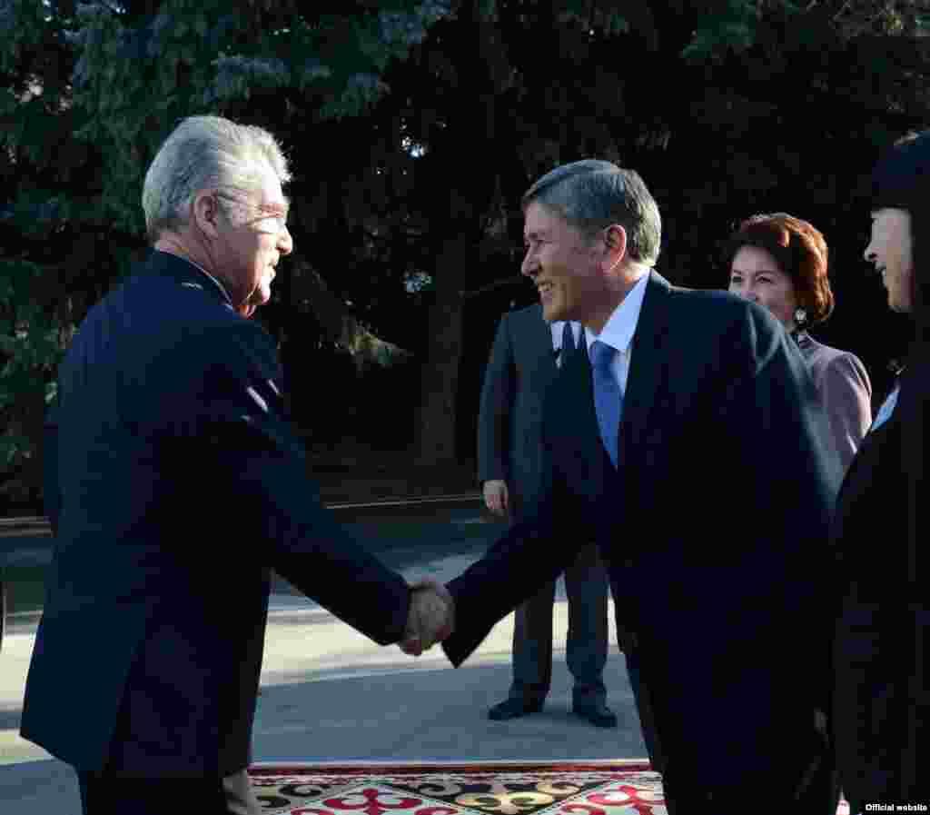 Встреча Алмазбека Атамбаева с президентом Австрии Хайнцем Фишером. 14 марта 2013 года