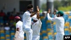 آرشیف، تیم کرکت پاکستان در هنگام بازی تست