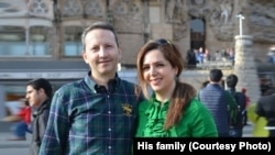 Ahmadreza Djalali, an Iranian physician, expert on disaster medicine, and resident of Sweden with his wife Vida Mehrannia.