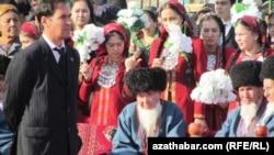Illýustrasiýa suraty. Türkmenistanda bir köpçülik çäresi.
