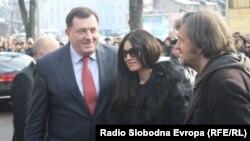 President Milorad Dodik (left), actress Monica Bellucci (center), and Serbian film director Emir Kusturica meet to face the press in Banja Luka on January 19.