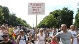 Protesti protiv vladinih mjera ograničenja u Berlinu, 1. avgust 2020.