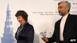 EU foreign-policy chief Catherine Ashton (left) and chief Iranian nuclear negotiator Said Jalili meet in Moscow on June 18.