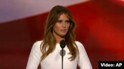 Melania Trump gjatë fjalimit të mbrëmshëm në konventën e Partisë Republika