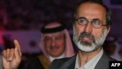 معاذ الخطيب رئيس ائتلاف ملی نيروهای اپوزيسيون سوريه