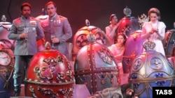 «Распутин» Джея Риза был представлен на сцене Нью-Йорк Сити-опера в 1988 году, но сам композитор очень хотел увидеть ее на российской сцене