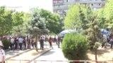 Группы сторонников и противников Роберта Кочаряна перед зданием Алелляционного суда, Ереван, 14 июня 2019 г․